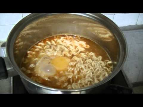 Maggi Curry Instant Noodles