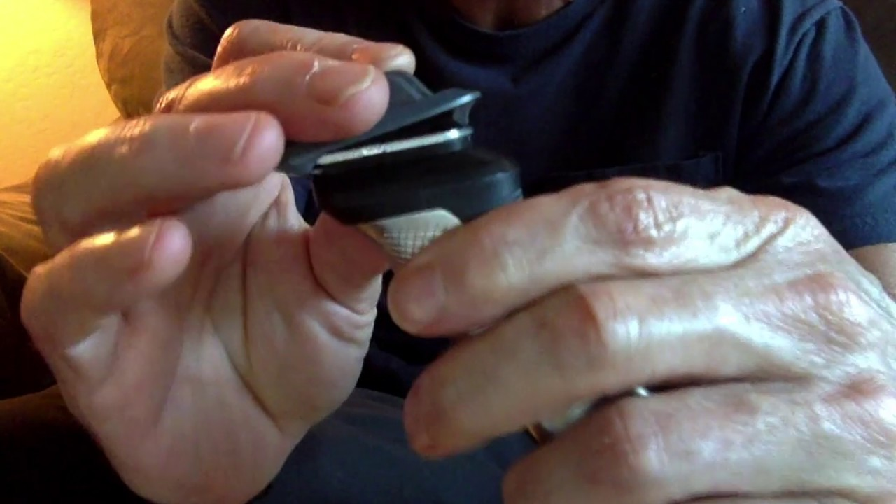 Philips Norelco Multigroom 7000 Review - Easy Tool Change - YouTube 5f294141107