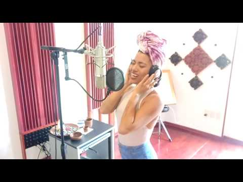 """TODO CAMBIA - Alejandra Robles """"La Morena"""""""