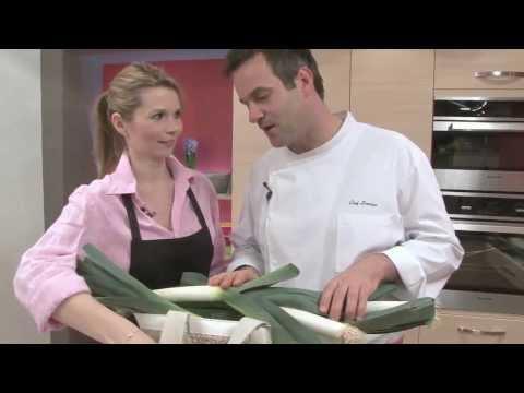 recette-de-salade-tiède-de-poireaux,-roquefort-et-oeuf-poché---jardinerie-truffaut-tv