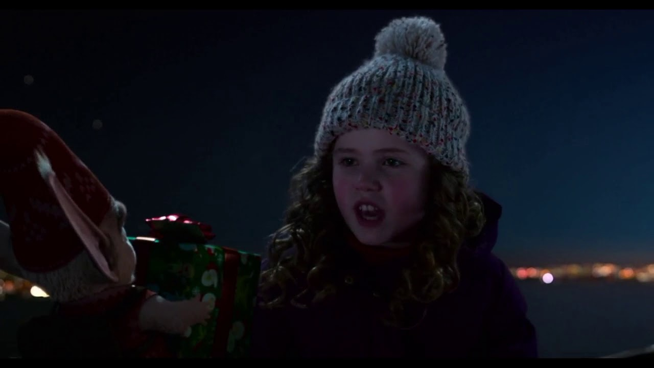 Christmas Chronicles Kate.Kate Speaks Elvish The Christmas Chronicles Netflix Movie