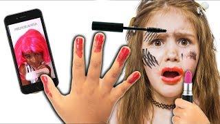 Yana doing makeup and dress up / NAIL POLISH / MAKE UP
