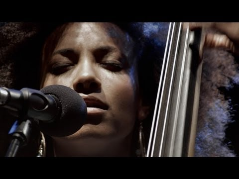 ESPERANZA SPALDING RADIO MUSIC SOCIETY - Hold on me