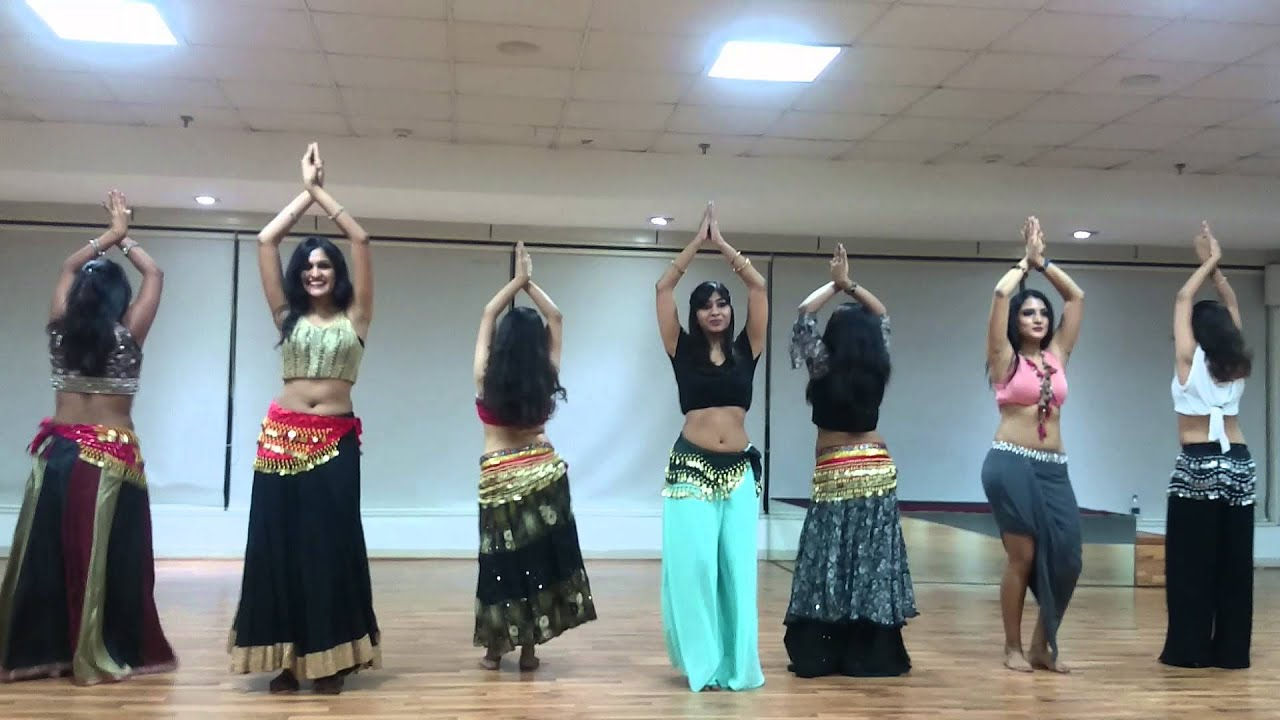 Beginners belly dance performance on (DIDI)