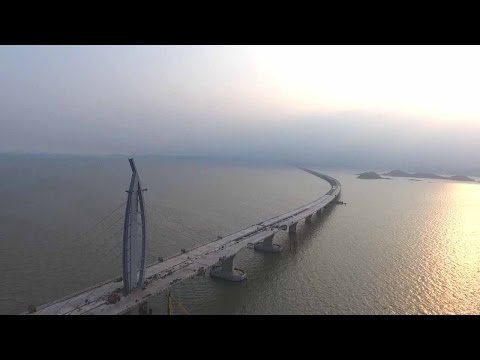 Hong Kong-Zhuhai-Macao Bridge links city cluster in the Pearl River Delta