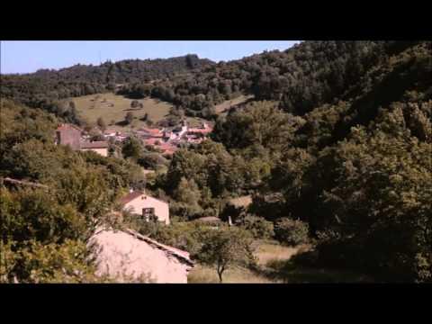 """""""Voyage - Bienvenue chez Gérard Klein"""" à Blesle (43) avec Francis Lalanne."""