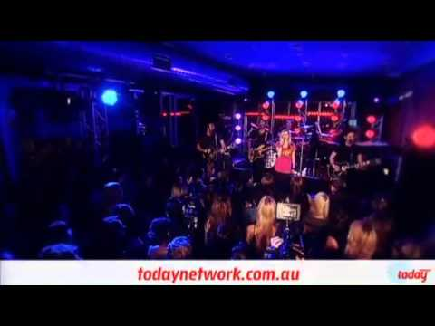 WISH YOU WERE HERE - AVRIL LAVIGNE - LIVE AT 2DAY FM ROOFTOP AUSTRALIA