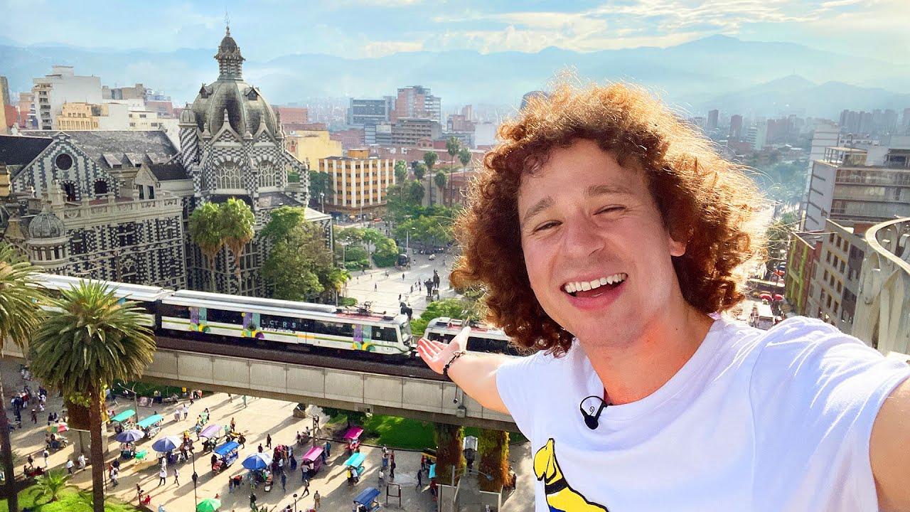 Dicen que esta estatua te da fertilidad… 🤭 | Medellín Tour 🇨🇴 COLOMBIA