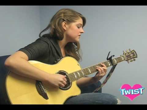 Mia sings
