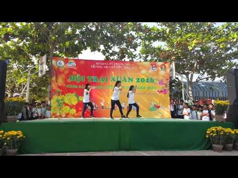 múa dân vũ + nhảy hiện đại 9A7,8