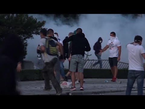 Associated Press: Prohiben reuniones de más de 10 personas tras protestas en Serbia