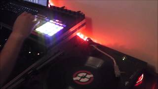Traktor Scratch Pro Remix Decks and Chopping Samples for Timecode Scratching