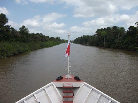 Viagem de barco Belem Manaus rio amazonas - boat trip along the Amazon River Brazil