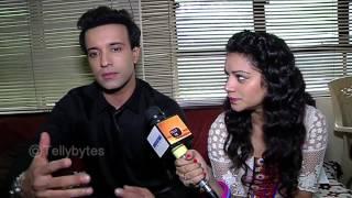 Dilli Wali Thakur Girls- Debjani IGNORES Dylan