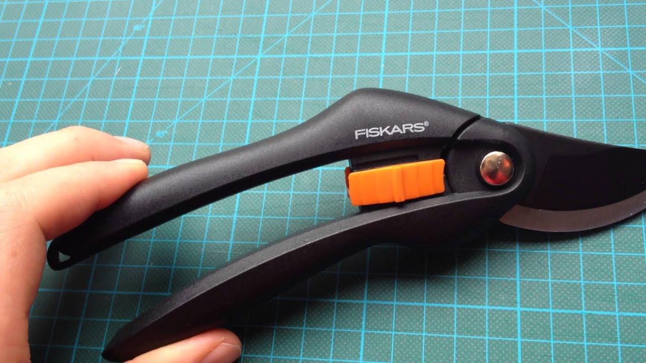 Fiskars SingleStep Bypass Gartenschere P26 Garten Schere Schwarz Orange 20 cm
