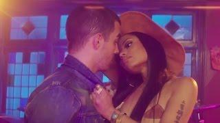 "Joe Jonas & Nicki Minaj Get SUPER Close In DNCE's ""Kissing Strangers"" Music Video"