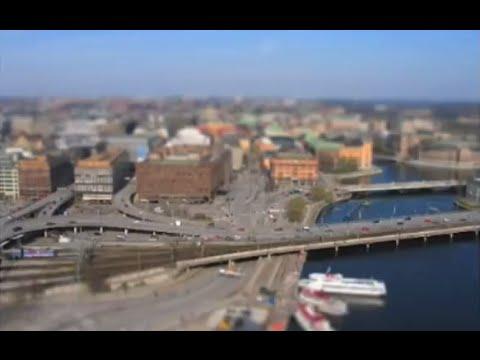 Miniaturize (Tilt-Shift) In Photoshop!  