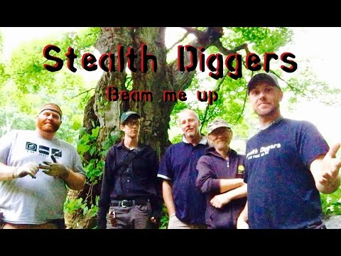 #90 Beam me up - Metal detecting NH 1700's house - Kurt from the hoover boys