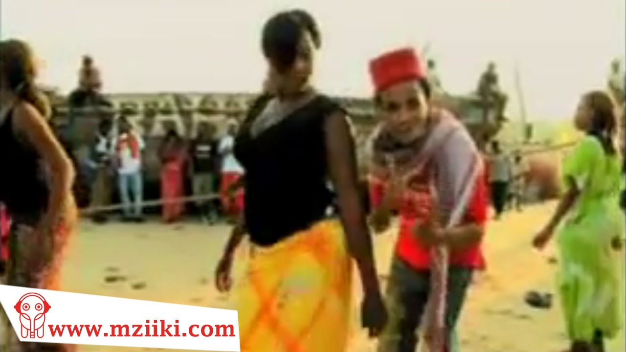 Download OffSide Trick Ft Mzee Yusuf   Bata   Official Video