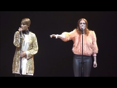 """Icona Pop perform """"I Love It (feat. Charli XCX)"""" at the Michalsky StyleNite"""