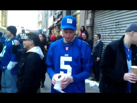 Kerry Collins throw at Giants Super Bowl parade