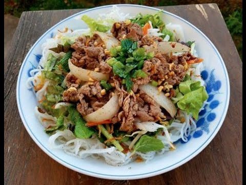 Vietnamese Vermicelli Noodles with Lemon Grass Beef - Bún Th