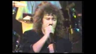 Jimmy Barnes & Crowded House live - Many Rivers to Cross