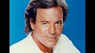 Watch Julio Iglesias Maria Bonita video