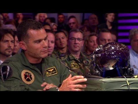 De high tech helm van de JSF-piloten - RTL LATE NIGHT