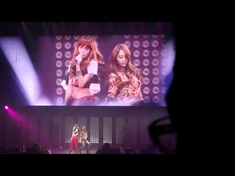 Tik Tok - Jessica & Krystal SM TOWN Live In Paris