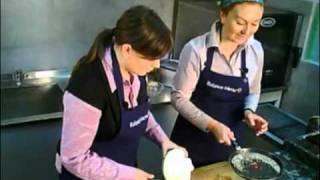 Видео-рецепт: неожиданный салат из капусты.