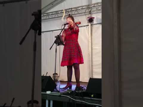 The String Family Sarah's violin bagpipes trick LIVE at the Australian Celtic Festival