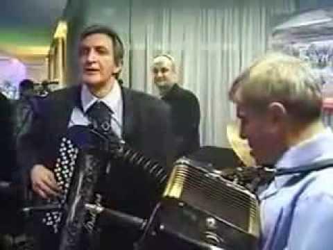 Mirko Kodic i Pero Gudelj - Kolo (FIS zabava za djelatnike 2003)