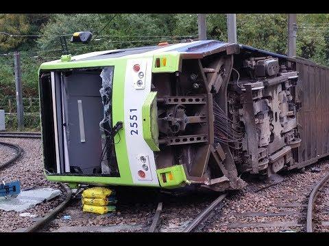Overturning of a tram at Sandilands Junction, Croydon