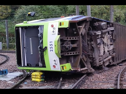Overturning of a tram at Sandilands Junction, Croydon