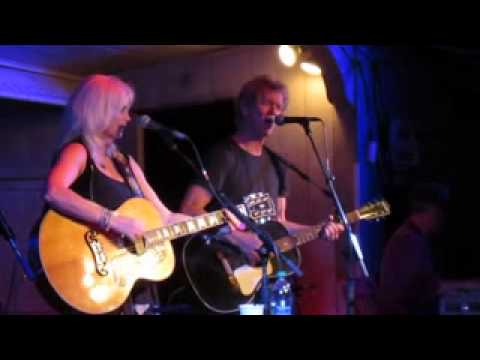 Emmylou harris rodney crowell blue bird wine 2013 youtube emmylou harris rodney crowell blue bird wine 2013 stopboris Image collections