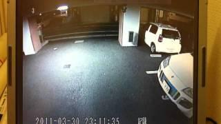 防犯カメラ映像 車両にイタズラ thumbnail