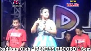 Video Pecah Seribu Devi Aldiva  New Pallapa Live Sumokembangsri Balongbendo 2015 download MP3, 3GP, MP4, WEBM, AVI, FLV Desember 2017