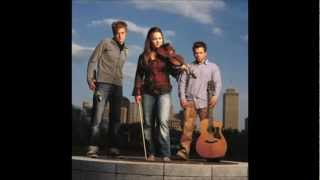 Nickel Creek - Beauty and The Mess