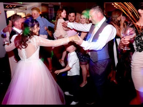 The Wedding of Gareth & Kerry | The Superlicks Party Band