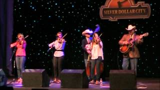 """THE QUEBE SISTERS BAND / """"THE FLOWERS OF EDINBURGH"""""""