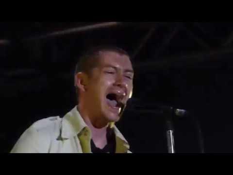 Arctic Monkeys I Bet You Look Good on the...