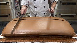 Original Chocolate Jiggly Cake Cutting