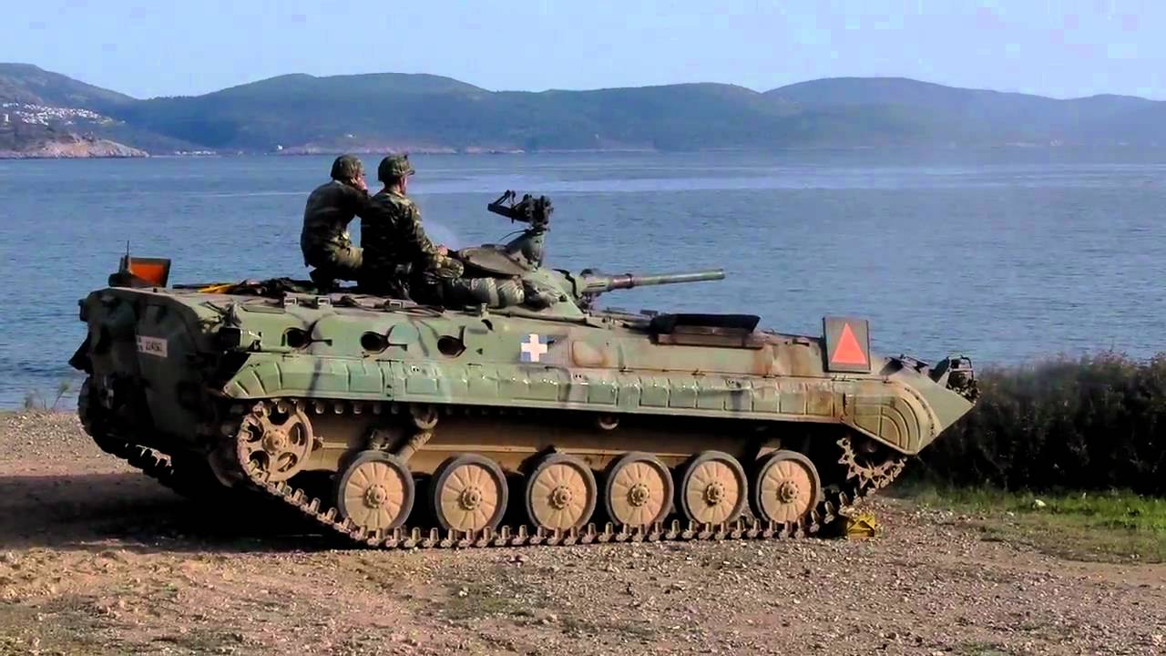 BMP1 IFV firing. - YouTube