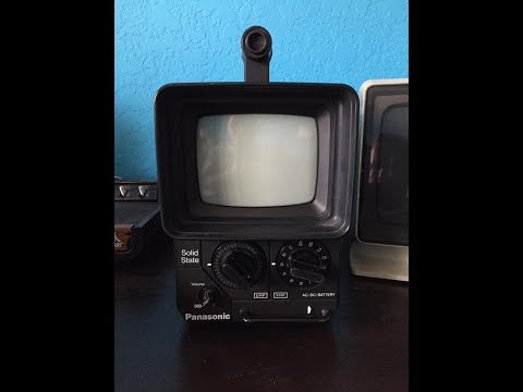 Vintage 1977 Panasonic Portable B&W Television Set