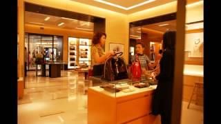 Luxury Retailers of Bangkok - Louis Vuitton Boutique at Siam Paragon