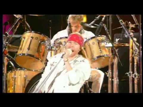 QUEEN &  AXL ROSE (Guns n Roses)-We Will Rock You