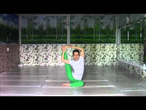 Bài Tập Yoga: hướng dẫn thực hành tư thế kéo giãn chân và sườn