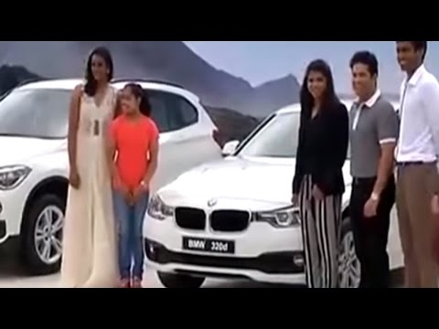 Sachin presents BMW cars to Sindhu, Sakshi, Dipa and coach Gopichand