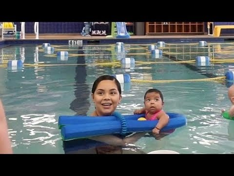 Baby 39 S First Swim 2 Months Old Viveca Frias Youtube